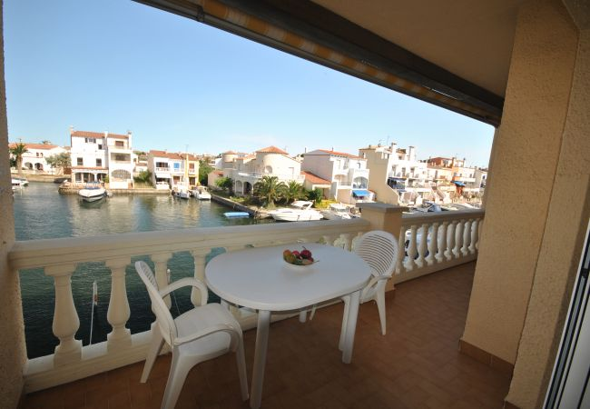 Apartamento en Empuriabrava - Bonito apartamento con vistas a la marina cerca del centro y playa-321