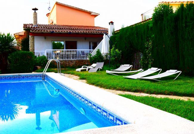 Casa en Empuriabrava - Bonita casa con piscina privada y amarre de 12m-346