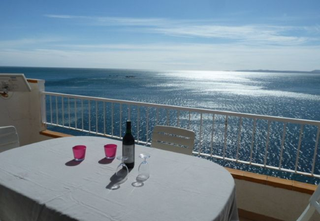 Apartment in Rosas / Roses - Very nice apartment , swimming pool and sea view-298