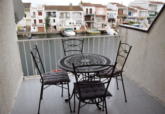 Apartment in Empuriabrava - Nice apartment with view on the marina-337
