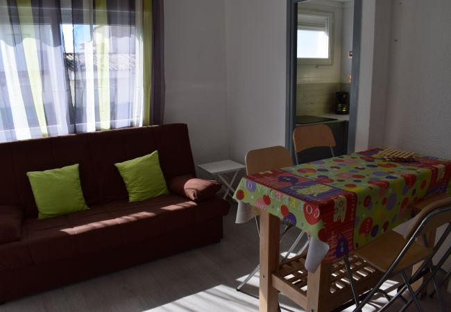 Apartment in Empuriabrava - Apartment  near of the beach and shops-312