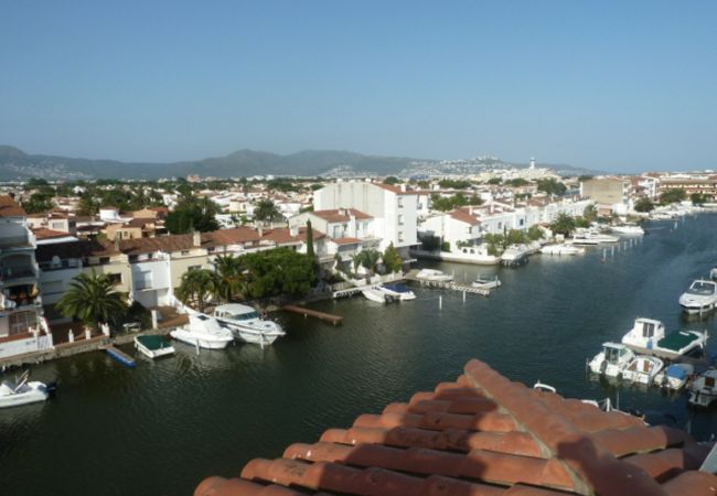 Apartment in Empuriabrava - Apartment with terrace and view on canal- 238