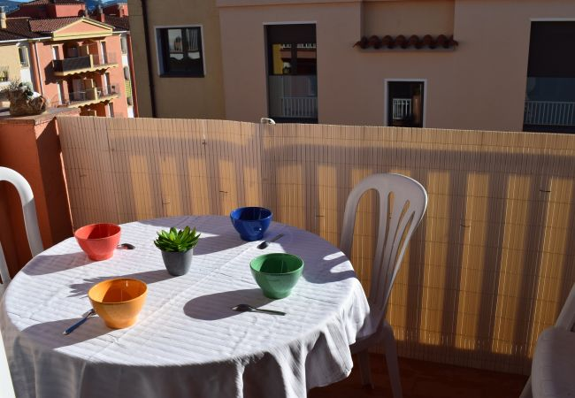 Apartment in Empuriabrava - Nice Apartment EMPURIABRAVA iresidence with  pools and near the beach ref 383