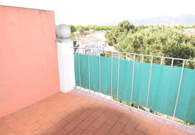 Apartment in Empuriabrava - Apartment duplex with bay's view near of beach and center-387