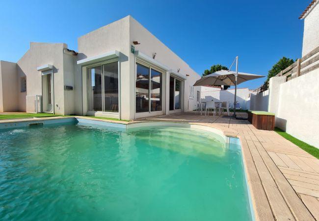 Maison à Empuriabrava - Villa très moderne de standing pour 6/8 personnes avec piscine privée wifi-389
